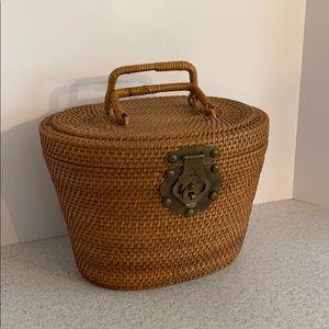 Vintage Nantucket basket purse woven top handles